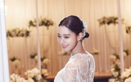 Actress Clara to get married in US