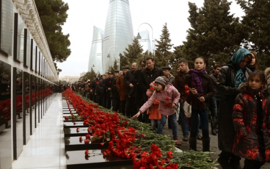 Azerbaijan honors dead in independence struggle