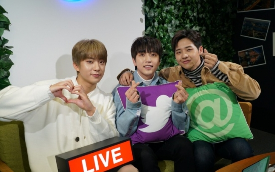 [Kpop Herald x TwitterBlueroom] B1A4 notches 500,000 viewers on Twitter Blueroom live