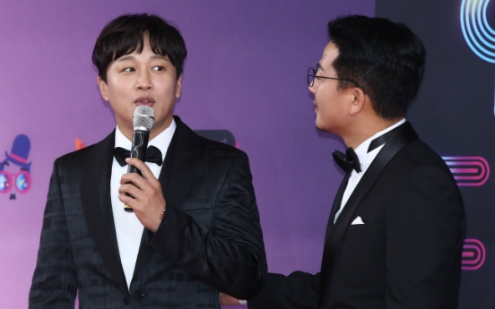 [Newsmaker] Police look into golf-betting allegations against Cha Tae-hyun, Kim Joon-ho