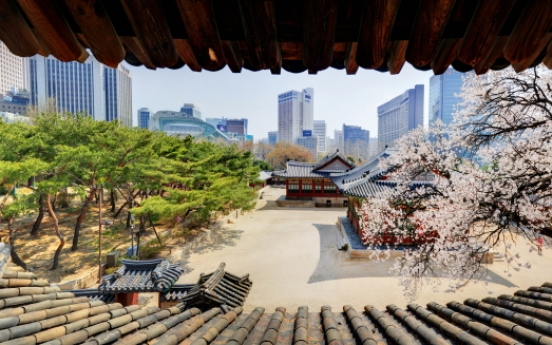 Seoul hosts tours at royal palaces