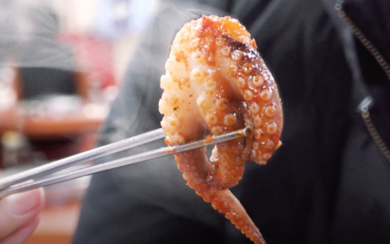 [Video] [Seoul Food Alley] Street for petite yet fiery octopus
