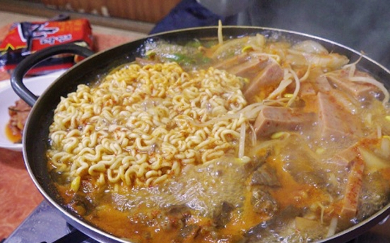 [Seoul Food Alley]  'Army stew' represents tumultuous mid-20th century history