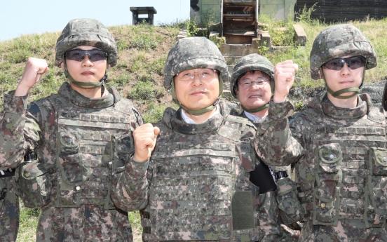 Govt. is making military brain-dead: main opposition leader