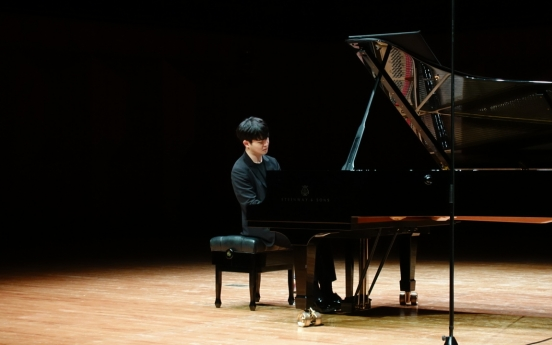 Pianists, young and old, mesmerize Seoul fans