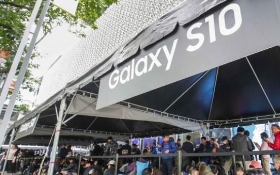 Samsung further slashes mobile business in China, shifts to India