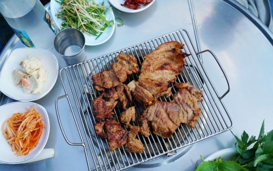 [Seoul Food Alley] Tender, sweet spareribs at Seongsu-dong