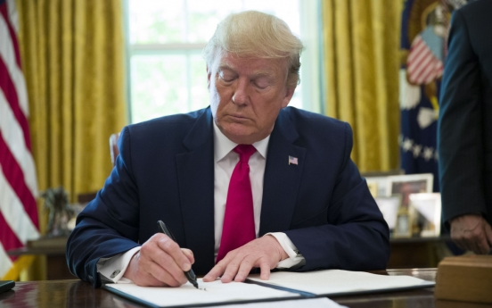 Washington confirms no Trump-Kim meeting on trip to Seoul