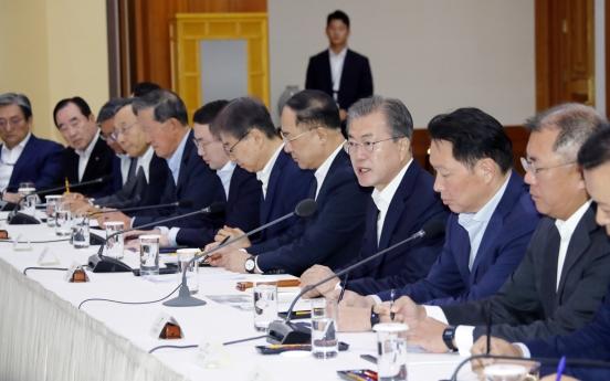 Moon presses Japan to halt export curbs before reaching 'dead end'