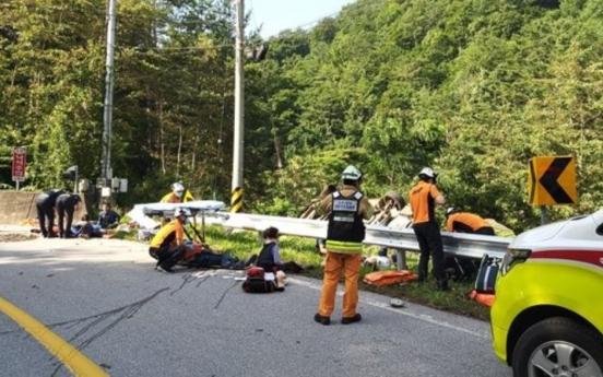 Driver of overturned van in Gangwon repeat road crash offender: police