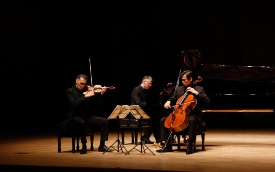 Cellist Yang Sung-won's trio to go on Korean tour