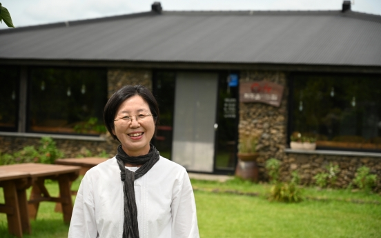 [Herald Interview] Four generations of family carry on Jeju's brewing legacy