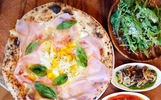Veteran pizzaiolo brings artisanal pies to Nonhyeon