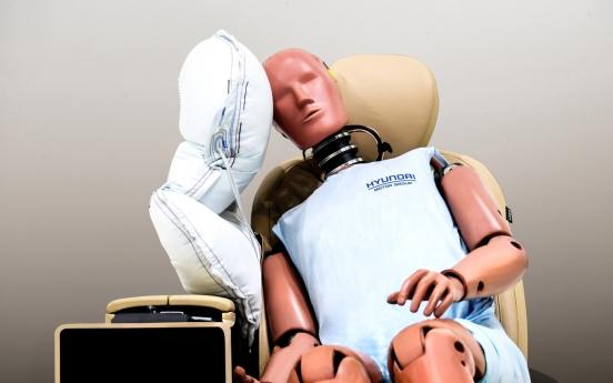 Hyundai to install advanced air bags