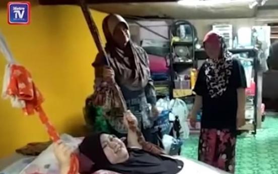 석 달 만에 몸무게 300㎏ 넘은 말레이 여성…