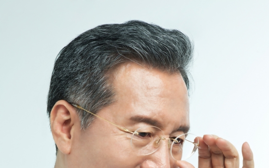 Plastic surgeon devotes decades to facial rejuvenation