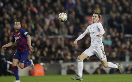 Barcelona, Real draw as Clasico marred by violence