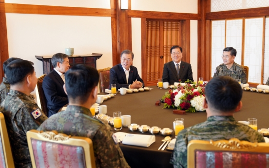 Moon meets top military commanders over lunch to discuss combat posture