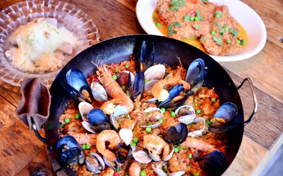Paella and other crowd-friendly eats at Sigolo