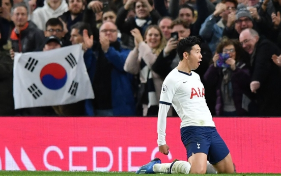 Tottenham weather Man City storm to snatch win
