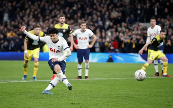 Son Heung-min stays hot, scores in 4th straight