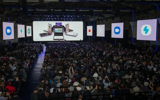 Despite coronavirus concerns, tech aficionados gather at Samsung Unpacked