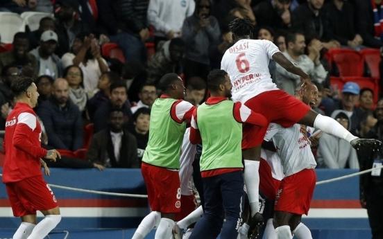 프랑스 프로축구 팀닥터, 코로나19 확진 후 극단적 선택