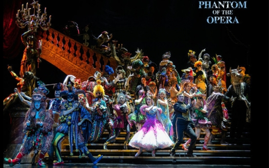 'Phantom of Opera' extends show suspension to April 22