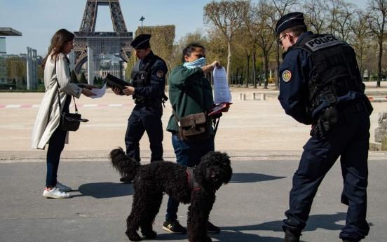 한국 방역은 사생활 침해? 프랑스, '오만방자'