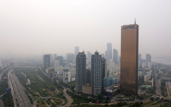 Dark clouds loom over credit ratings of Korean firms