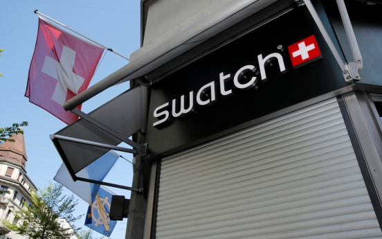 Swiss watchmakers see exports plunge amid pandemic