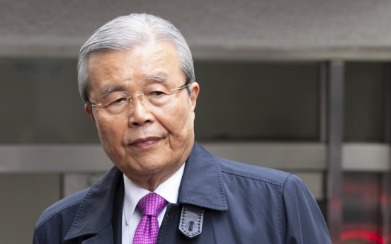 Kim Chong-in agrees to head main opposition party despite resistance