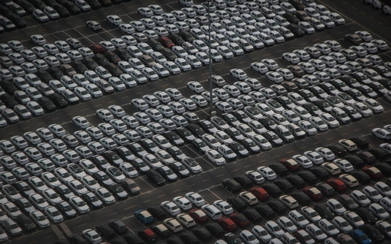Car sales in Russia plummet 72%