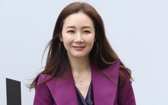 Star actress Choi Ji-woo gives birth to her first child