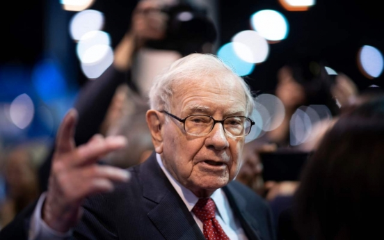 Warren Buffett's stock unload dampens outlook for S. Korean banks