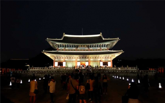 Night tours of royal palaces to reopen next week