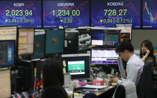 Seoul stocks open slightly lower on escalating US-China tensions