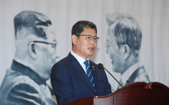 Minister emphasizes summit spirit as Pyongyang threatens military action