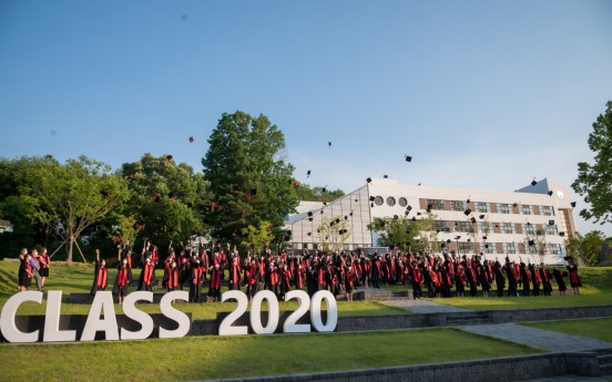 Seniors shine in midst of transitions at SFS