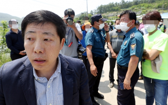 Police search property of ex-NK defector at center of anti-Pyongyang leafleting