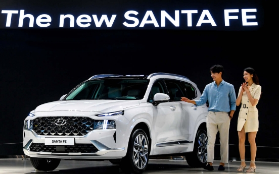 Hyundai Motor rolls out larger, smarter Santa Fe