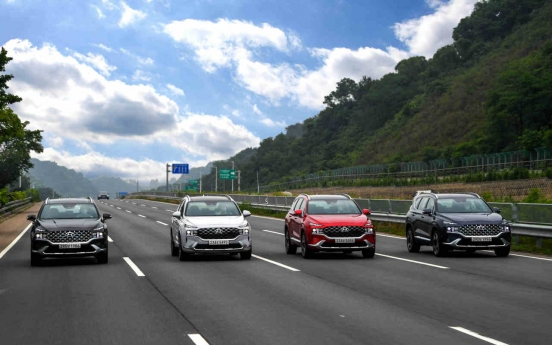 [Behind the Wheel] New Santa Fe: Hyundai's family-friendly SUV gets smarter