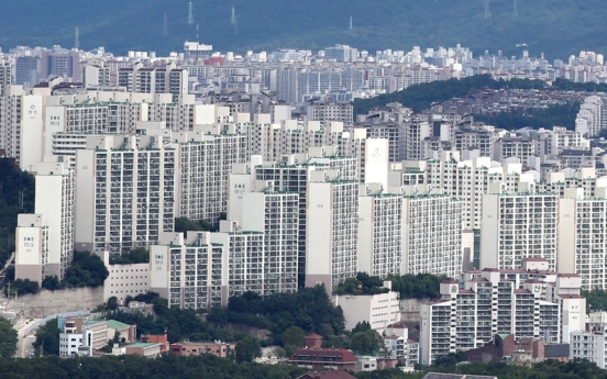 Seoul's old, small-sized apartment prices spike amid market bubble