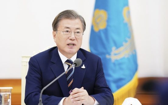 Moon requests churches' cooperation in virus fight; Christian leaders appear unmoved