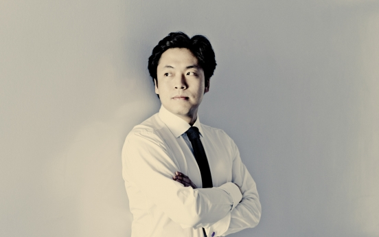 Pianist Kim Sun-wook to make formal debut as conductor in December