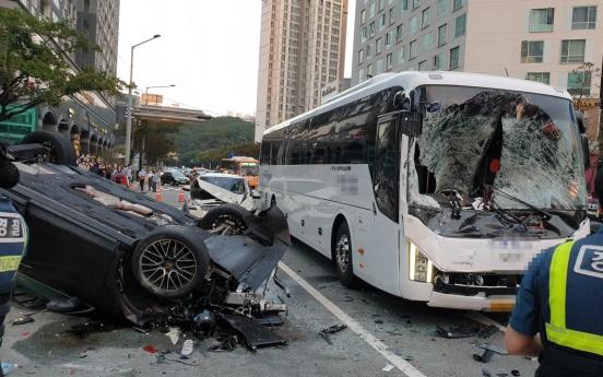 '환각 질주' 사고도 윤창호법 적용…해운대 포르쉐 운전자 영장