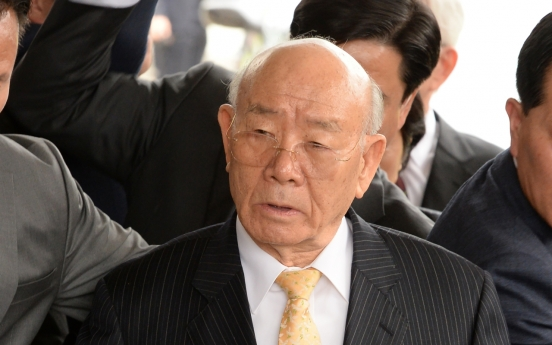Prosecutors seek 18-month prison term for ex-President Chun in libel trial