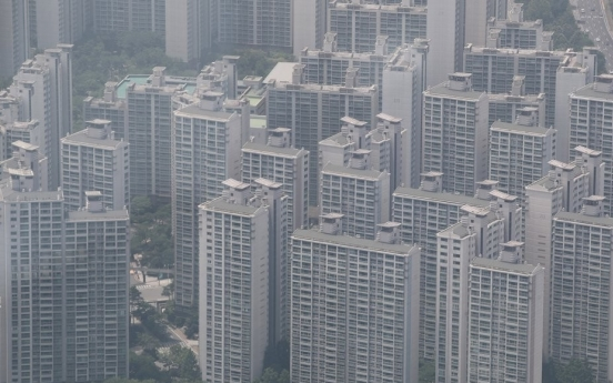 Sale prices of upscale Seoul apartments surge amid tightened rules