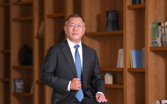 Chung Euisun officially takes helm of Hyundai Motor Group