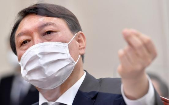 Top prosecutor fires back at justice minister, denying biased investigation allegation